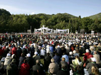 General view of field where Catholic faithful pray as Pope Benedict XVI celebrates Mass at La Prairie in Lourdes(Photo: Reuters)