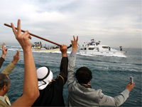 A boat carrying European MPs arrives in Gaza.(Photo: Reuters)