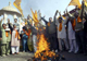 "Members of the right-wing Vishwa Hindu Parishad burn an effigy representing ""terrorism"" in the north Indian city Amritsar after the Mumbai attacks(Photo: Reuters)"