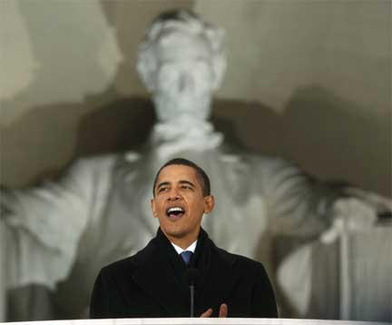 Barack Obama at the Lincoln Memorial, 18 January 2009(Photo: Reuters)