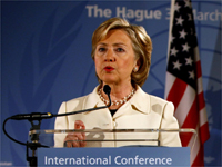 US Secretary of State Hillary Clinton speaking at the conference on Afghanistan in the Hague on 31 March 2009.(Photo: Reuters)