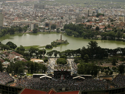 A view of Mahamasina stadium in Antananarivo during the installation of Andry Rajoelina as Madagascar's President on 21 March 2009.(Photo: Reuters)