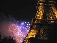 Fireworks at the Eiffel tower, 14 July 2008(Photo: Sarah Elzas)
