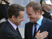 French President Nicolas Sarkozy and Polish Prime Minister Donald Tusk in Paris on 5 November 2009.(Photo: Reuters)