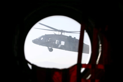A UH-60 Black Hawk helicopter prepares to land at FOB Salerno in Afghanistan(Photo: Reuters)