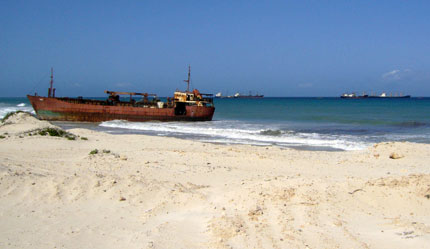 La plage du port d'El-Mahan.(Photo : Olivier  Rogez / RFI)