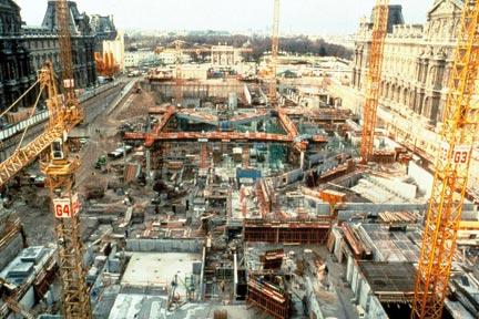 Rfi le louvre f te les 20 ans de la pyramide - Date construction du louvre ...