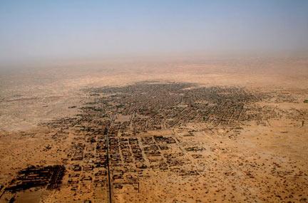 """Vue aérienne de la ville de Tombouctou au Mali.(Photo : Alida Jay Boye. <a href=""""http://www.sum.uio.no/research/mali/timbuktu/project/"""" target=""""_blank"""">Timbuktu Manuscripts Project</a>. Université d'Oslo)"""